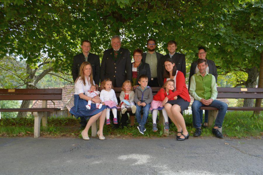 Familie Grain: ganze Familie hilft wenn nötig am Hof mit